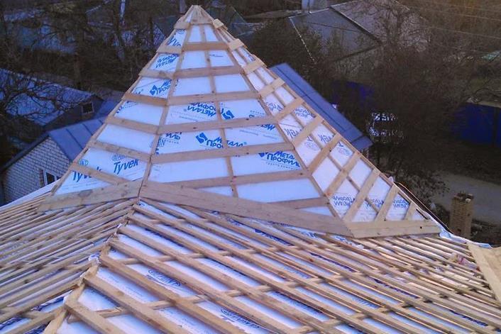 Утепление сложной крыши